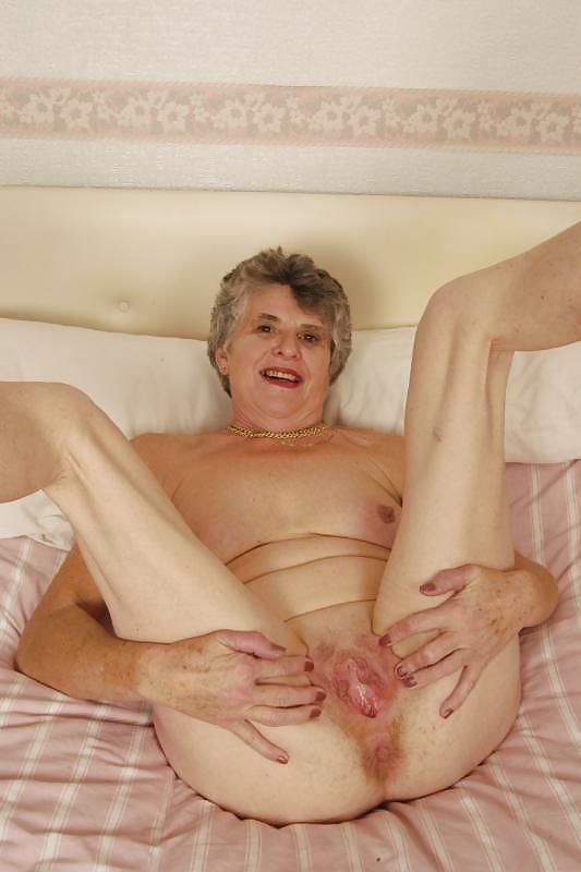 Порно фото тощих бабушек