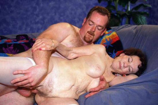 старушка переспала с мужиком