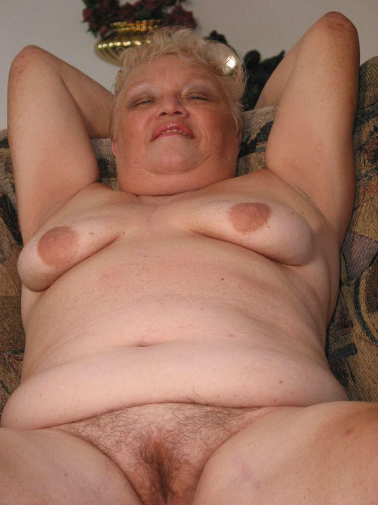 Тити фото голые бабушек