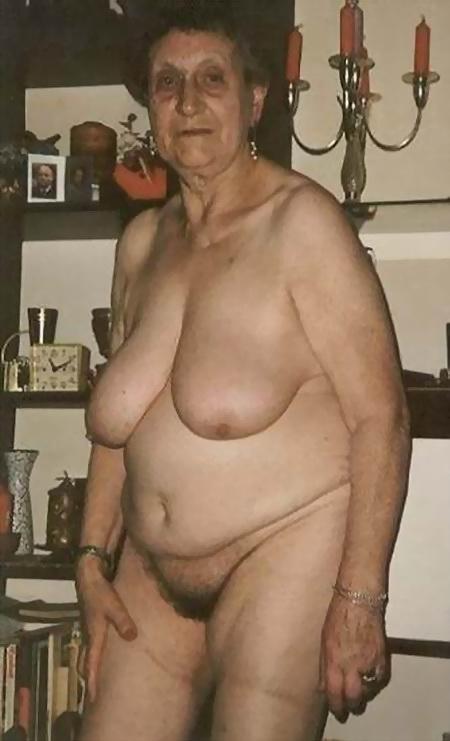Откровенные фото пожилых дам
