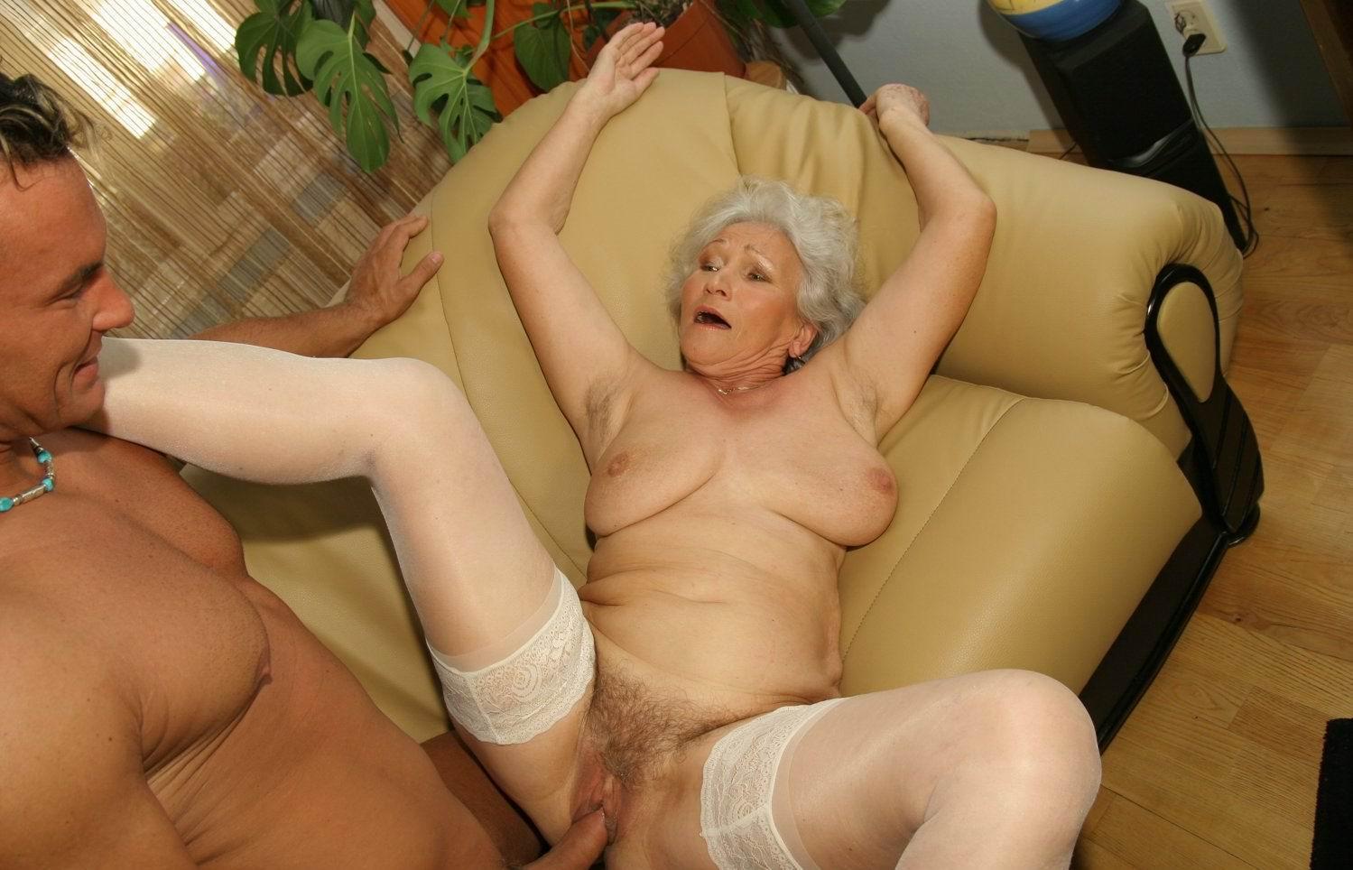 Деве Очень Старые Бабки Страстно Целуются