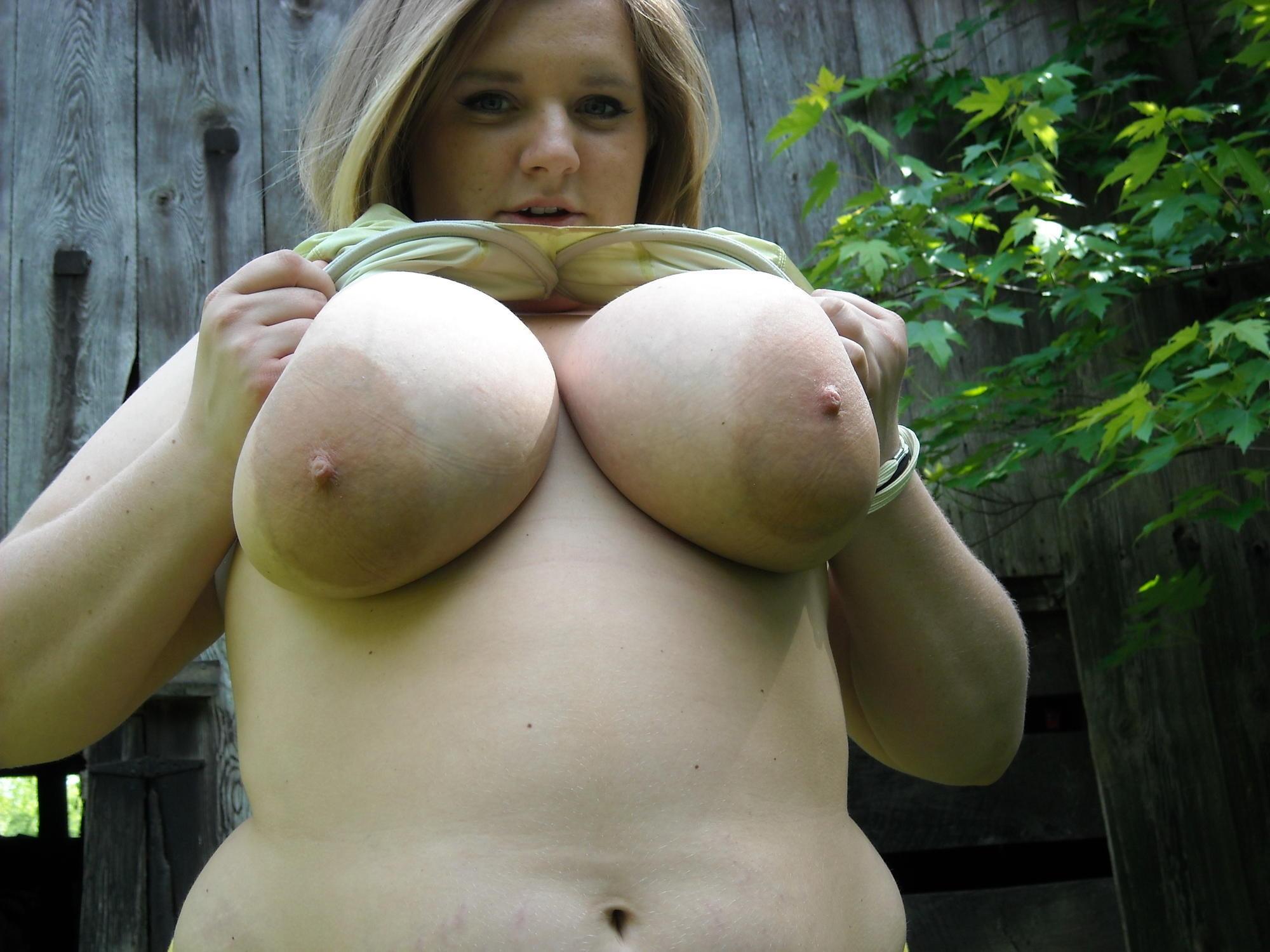 Толстые ноги и огромная грудь, Большие Сиськи: Толстушки - Бесплатные порно фильмы 8 фотография