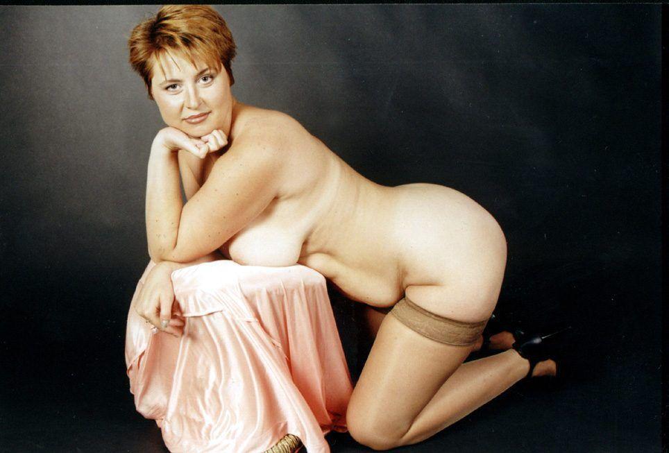телочка женщины в бальзаковского возраста эро фото хочет опоясать тугим
