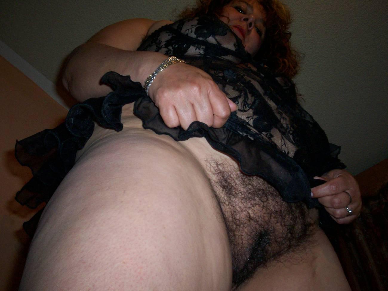 Фото мам в чулках волосатые, Зрелые женщины с волосатой пиздой - 91 фото 7 фотография