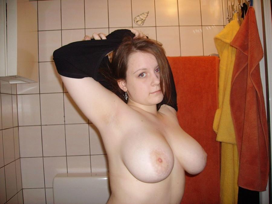Огромные груди молодые девушки по видео показали