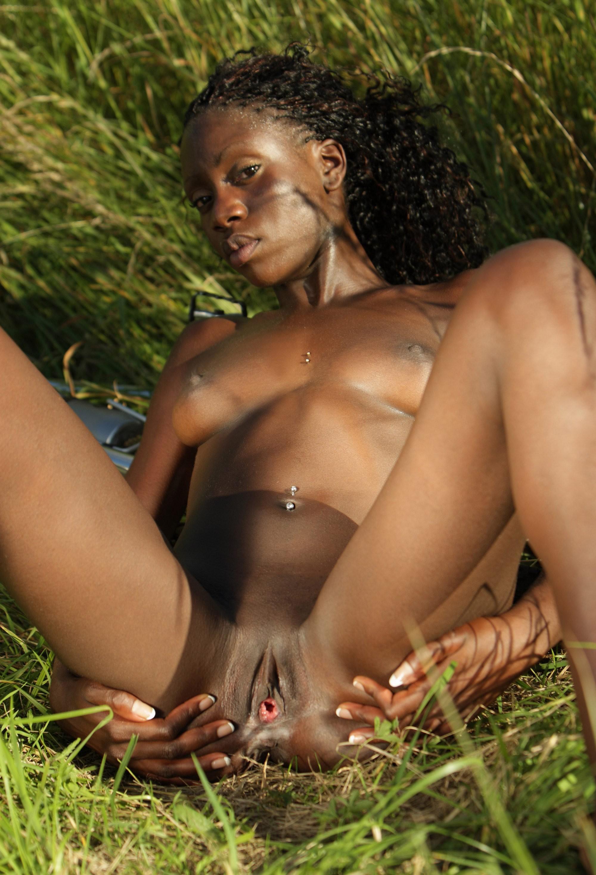 Adriana demeo nackt
