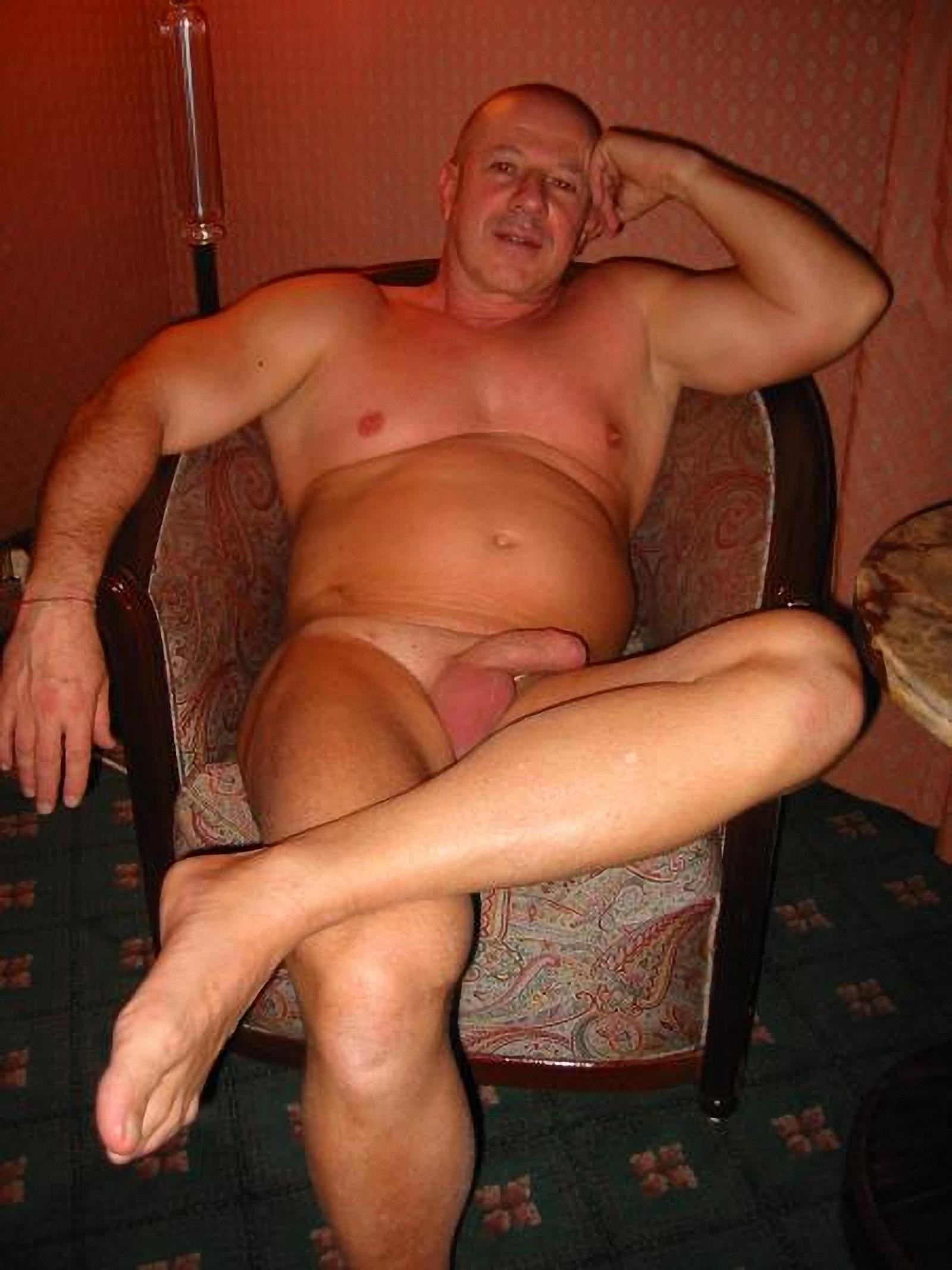 golie-vzroslie-parni