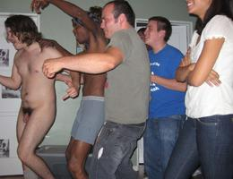 Naked Men laugh by Clothed Women collection Image 7