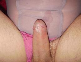 Perverse Crossdresser posing in Panties gal Image 1