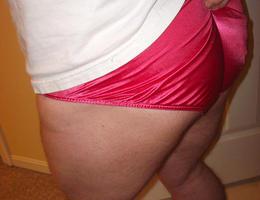 Perverse Crossdresser posing in Panties gal Image 2