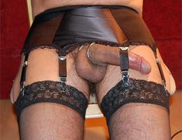 Perverse Crossdresser posing in Panties gal Image 9