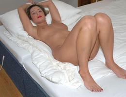 Perfect Milf gellery Image 1