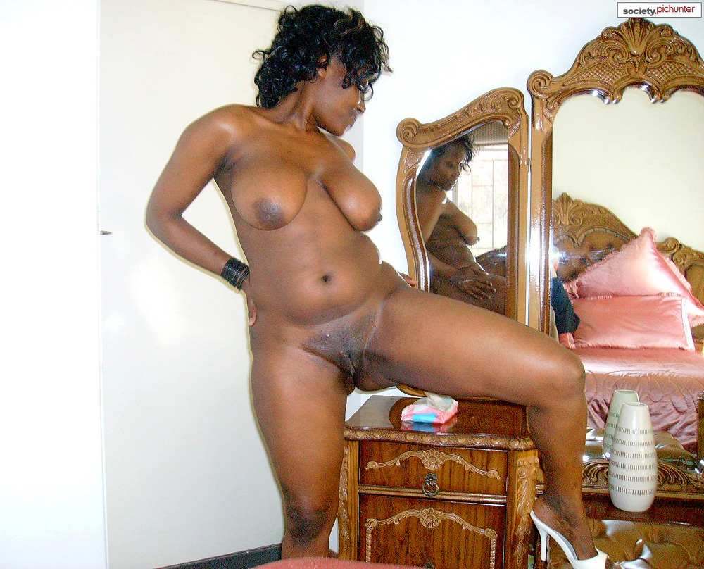 sexy-camel-black-naked-mom-pictures