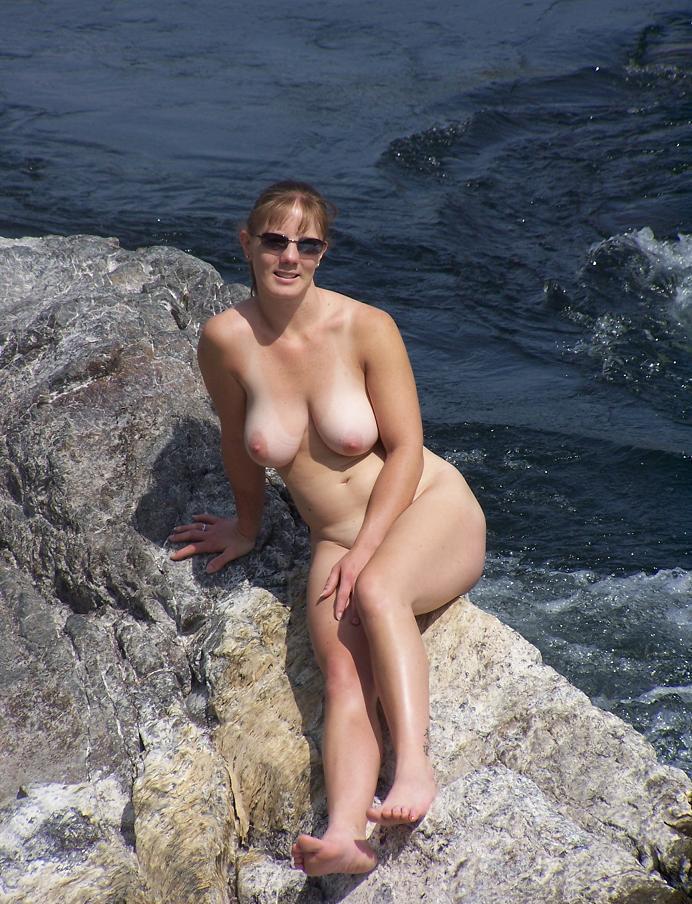 Порно голые частные фото с отдыха жопу черным